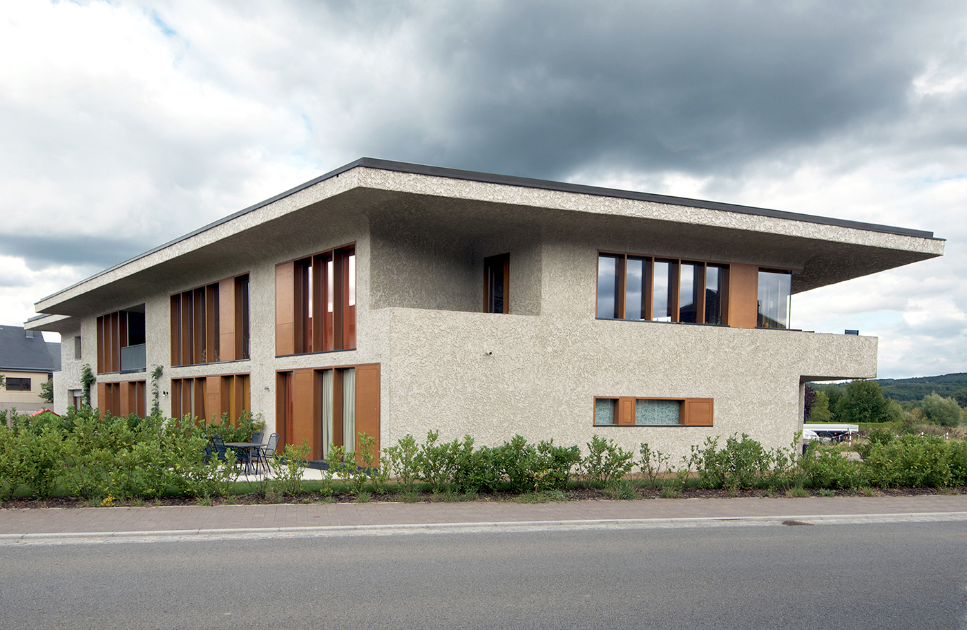 2013 private houses op der wollefskaul remerschen for Luxembourg homes